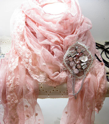 新作ブローチ ピンク