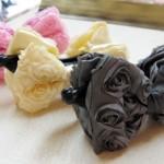 バラ柄サテンリボンバナナクリップ ¥945