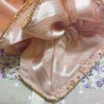 サーモンピンクWコーム 花刺繍