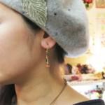 スワロと天然石のイヤリング