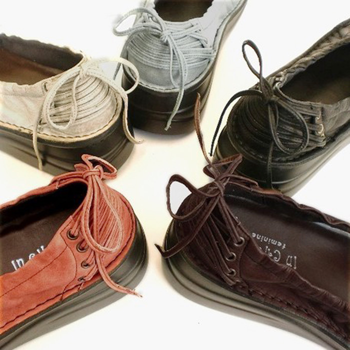 バックリボン革靴