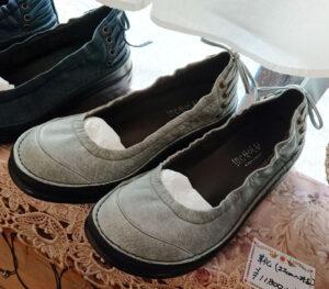 革靴 アイスブルー